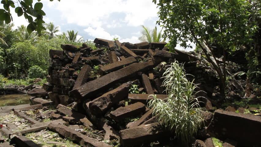 Situs Gunung Padang di Micronesia  https